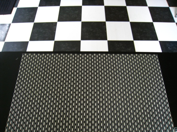 placemat/table/floor