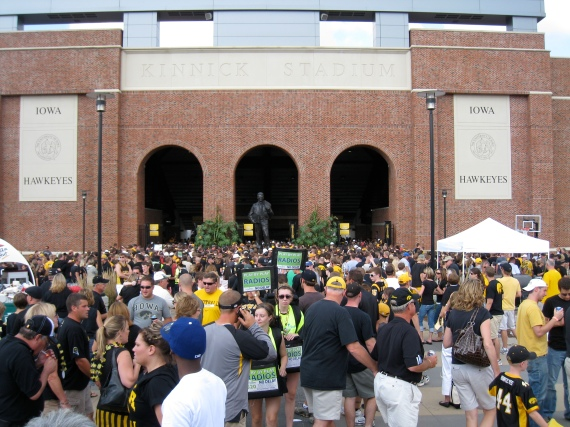 kinnick at the start of the game